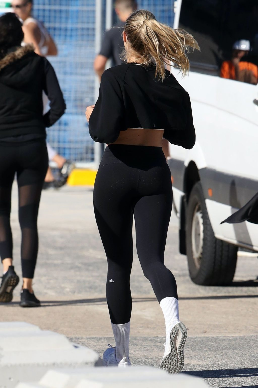 Natalie Roser Displays Her Fit Body in Sydney (28 Photos)