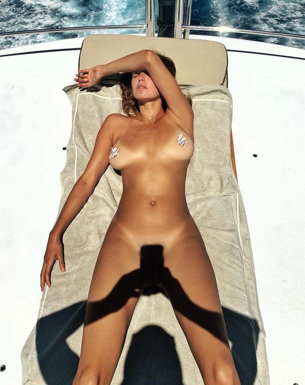 Alyssa Arce Nude (3 Photos)
