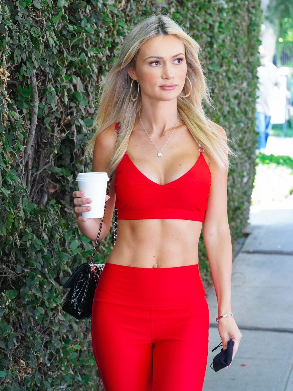 Sexy Ella Rose Grabs Coffee at Alfreds Coffee in WeHo (6 Photos)
