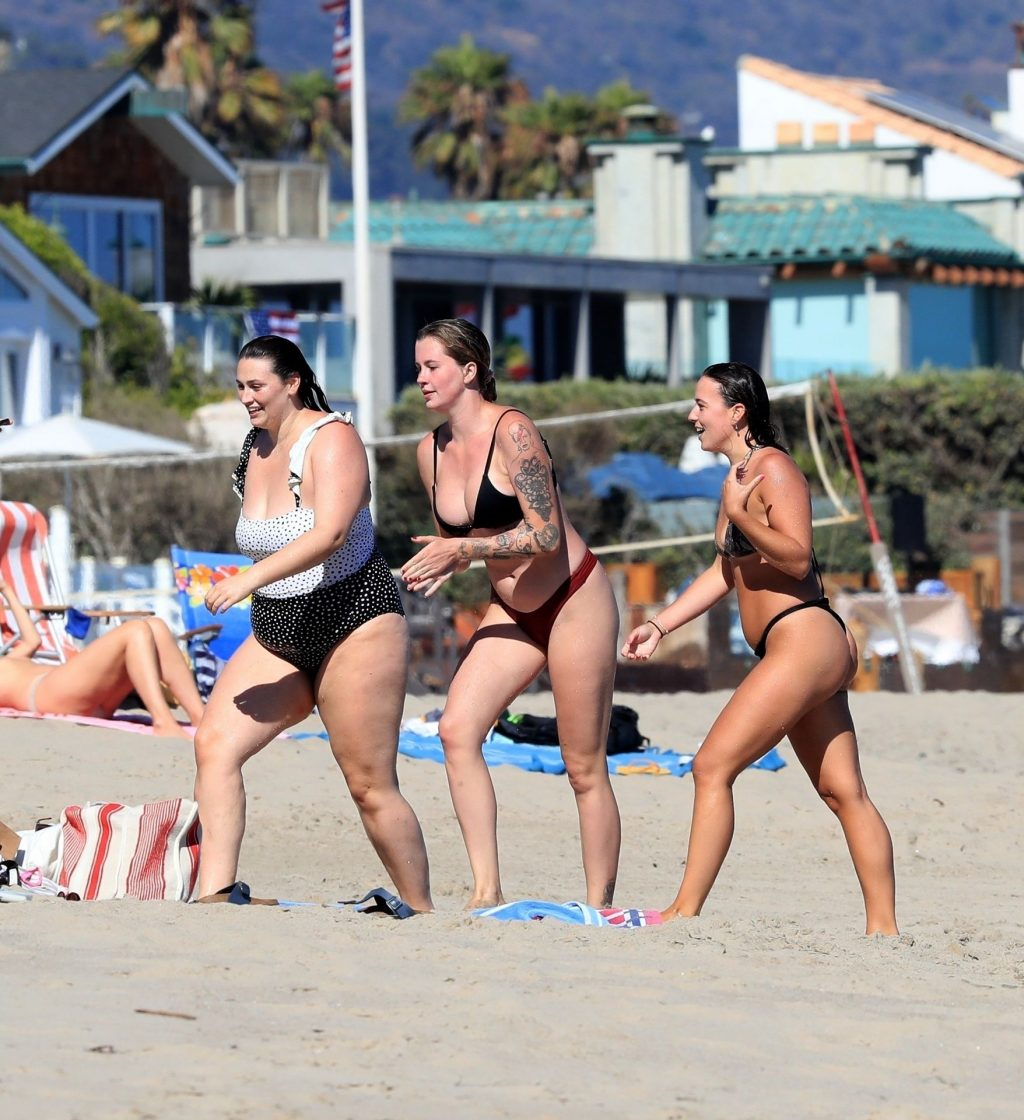 Ireland Baldwin and Friends Have a Chicken Fight in the Water (172 Photos)