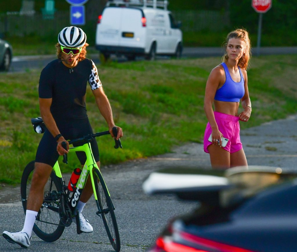 Nina Agdal & Jack Brinkley-Cook Chat After Their Work Out (Photos)