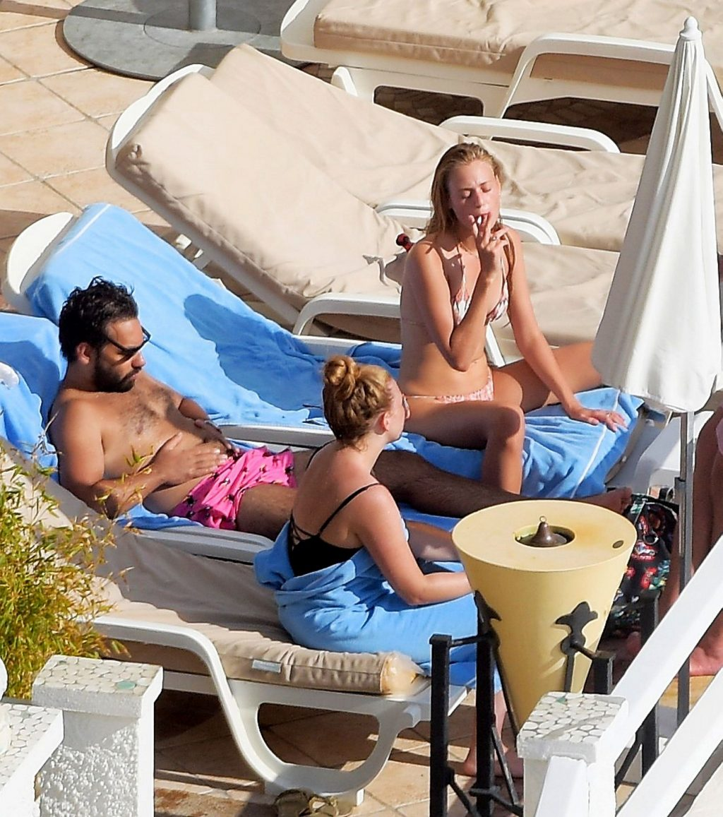 Cosima Auermann Enjoys the Sun on the South of France (31 Photos)