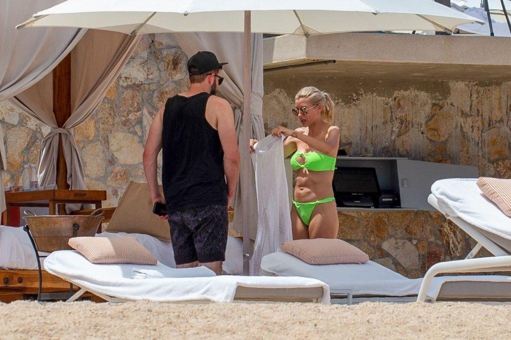 Tarek El Moussa & Heather Rae Young Hit the Beach in Mexico (21 Photos)