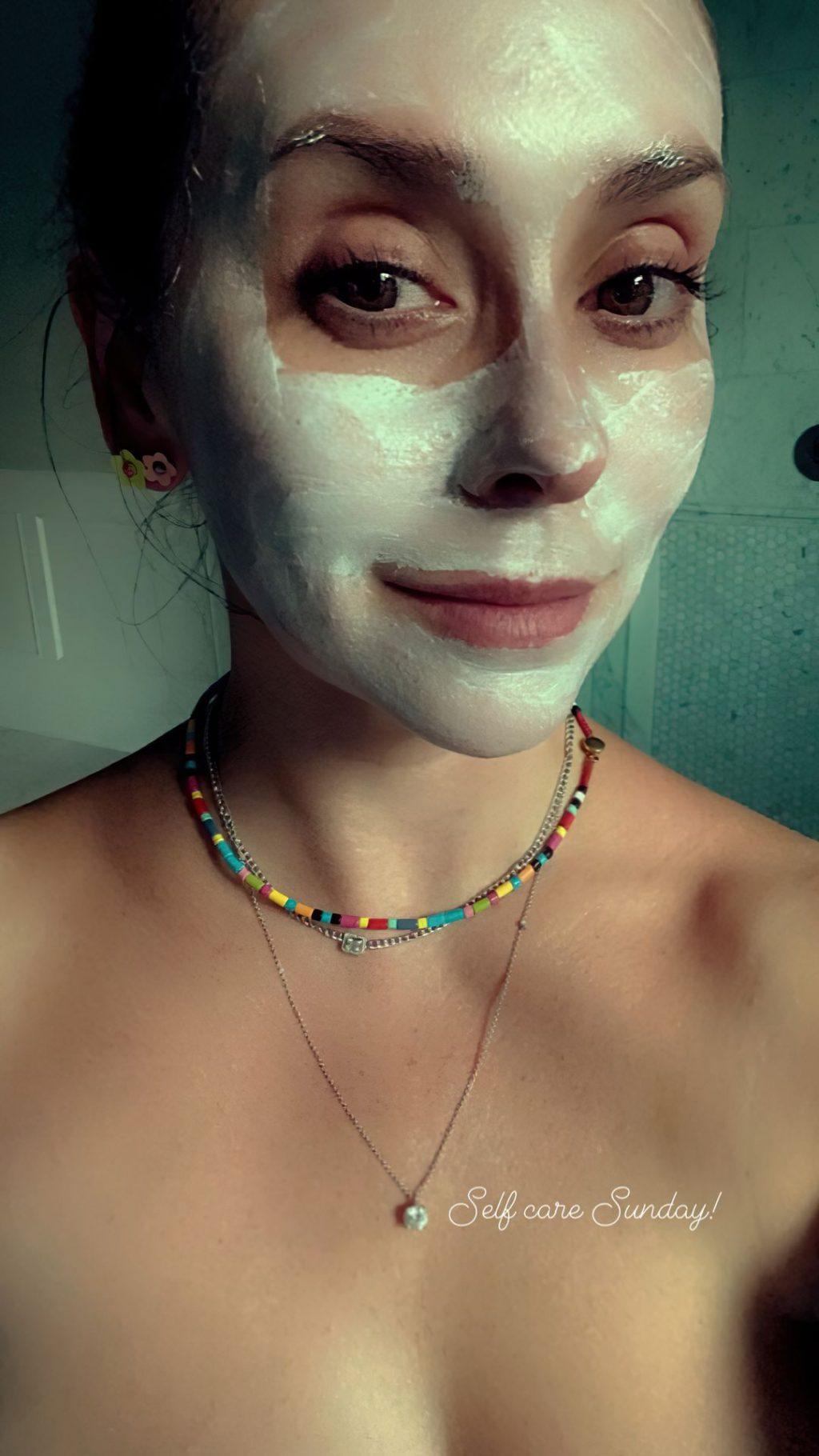 Jennifer Love Hewitt Topless (1 Photo)