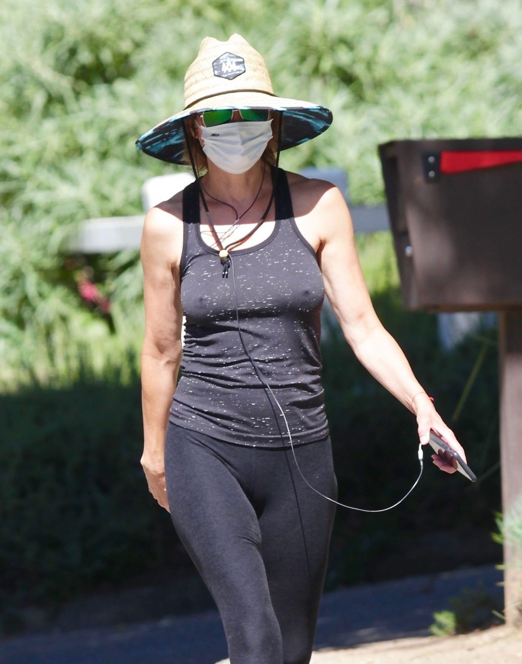 Lisa Rinna Is Seen Without a Bra (10 Photos)