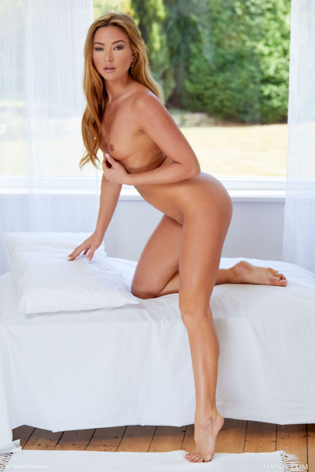 Natalia Forrest Nude – Allure (20 Photos)