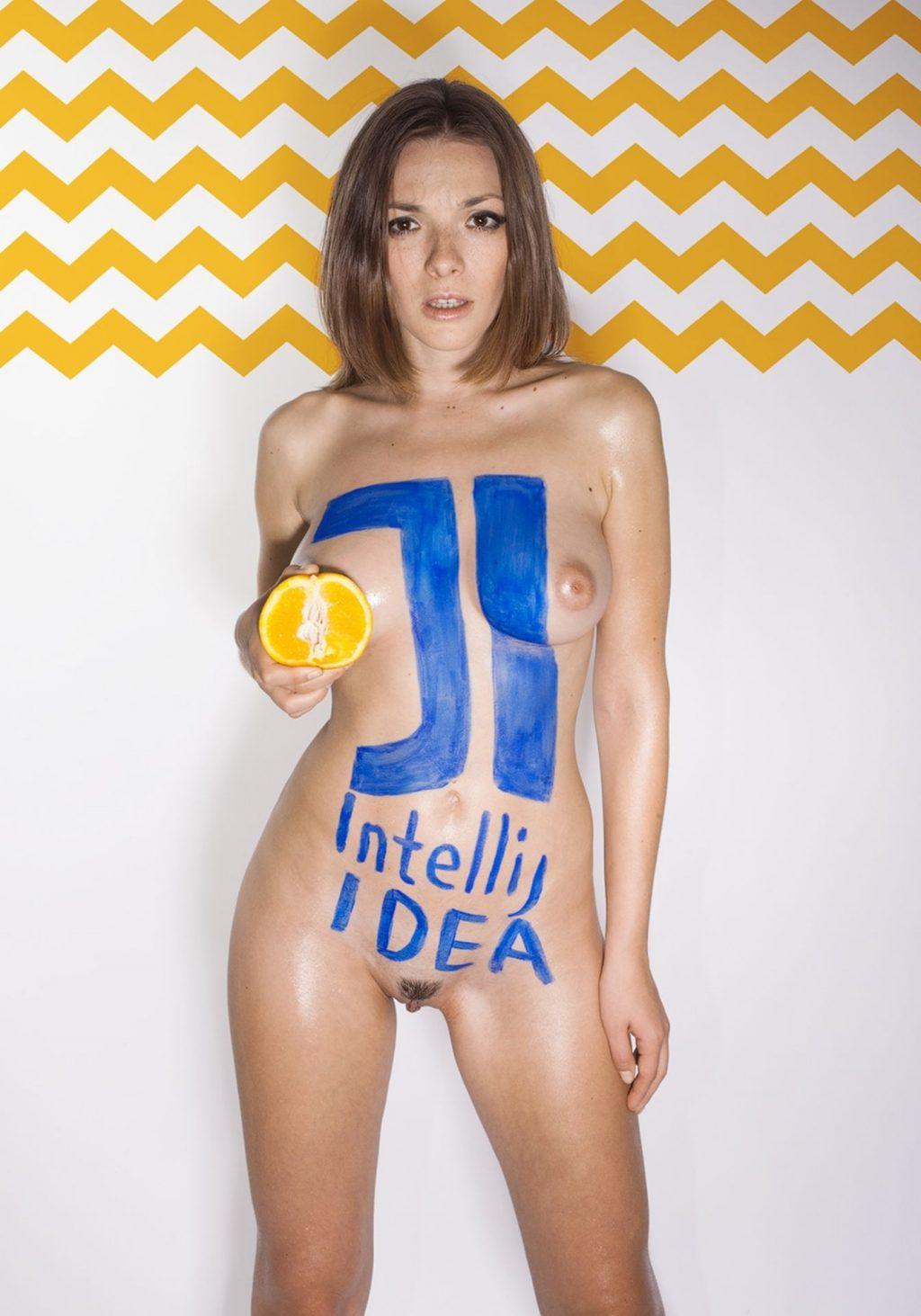 Olga Kobzar Nude – Geekography (8 Photos + Video)