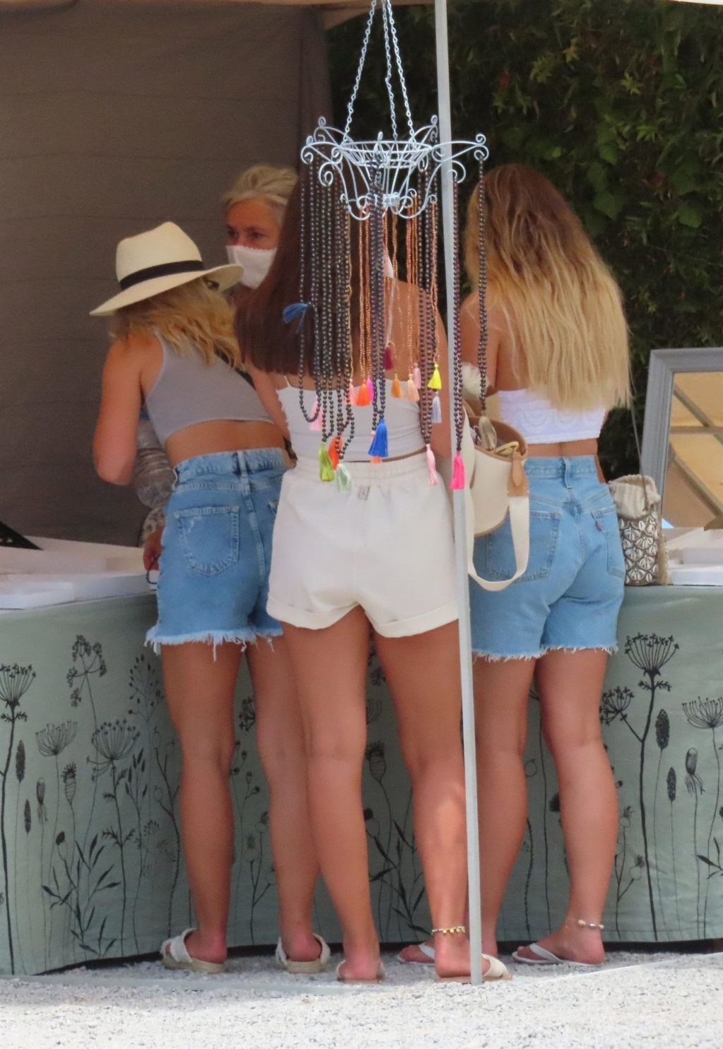 Alex Oxlade-Chamberlain & Perrie Edwards Are Spotted at a Market in Ibiza (62 Photos)