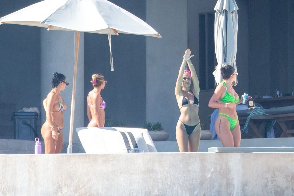 Sofia Richie Laughs During a Playful Day Spent Swimming in the Pool with Her Pals (57 Photos)