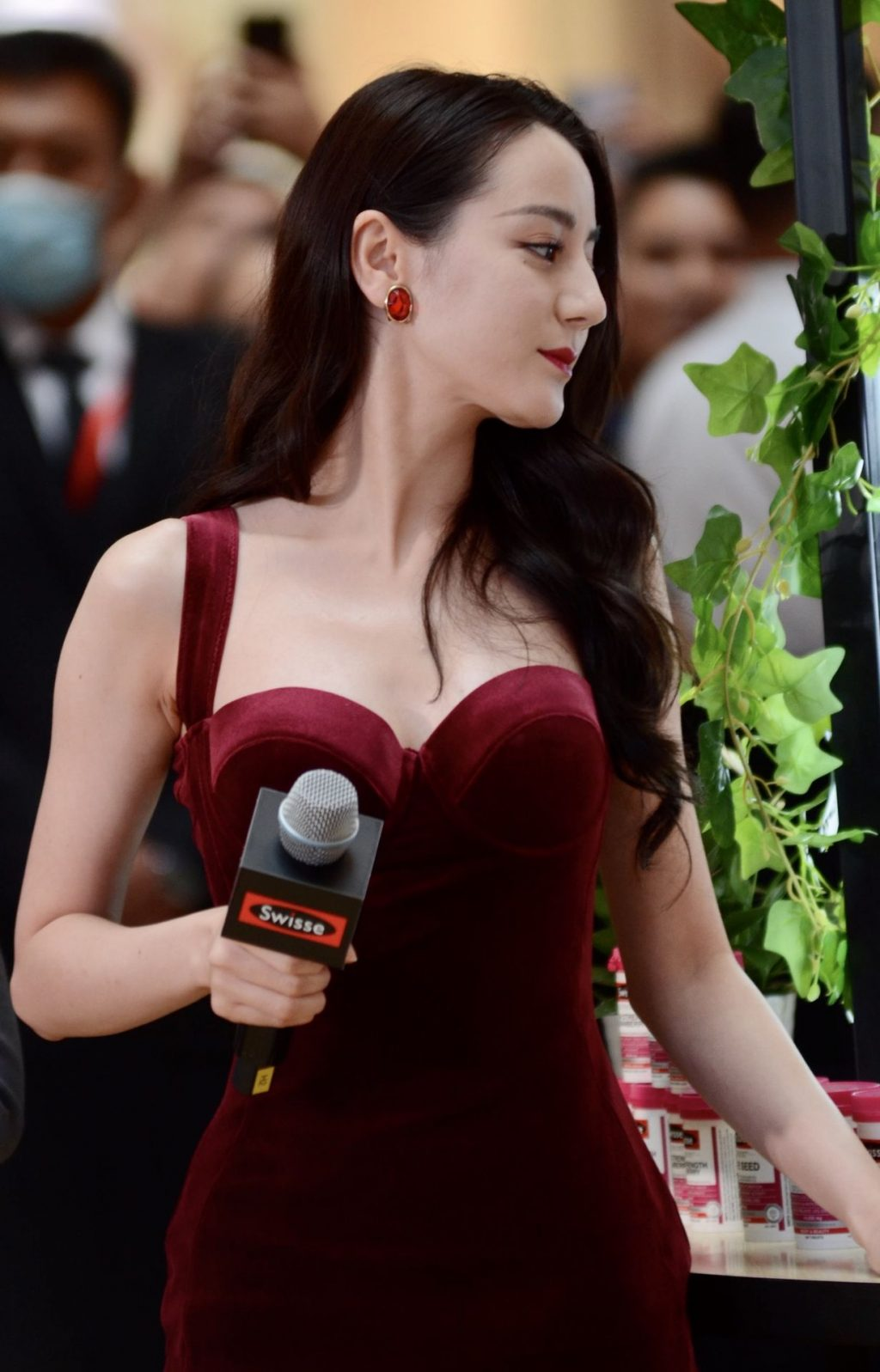 Dilraba Dilmurat Shows Off Her Gorgeous Figure (10 Photos)