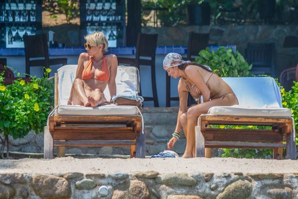 Nicky Whelan & Kate Neilson Vacation Together in Mexico (17 Photos)
