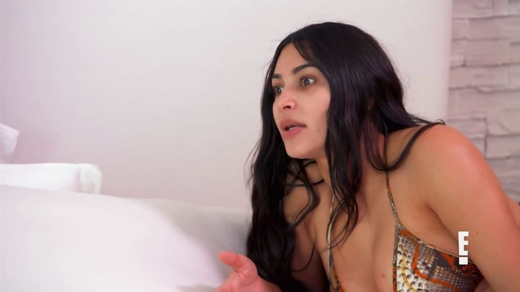 Kardashian Sisters Aren't Picking Sides After Kendall & Kylie's Fight (28 Pics + Video)