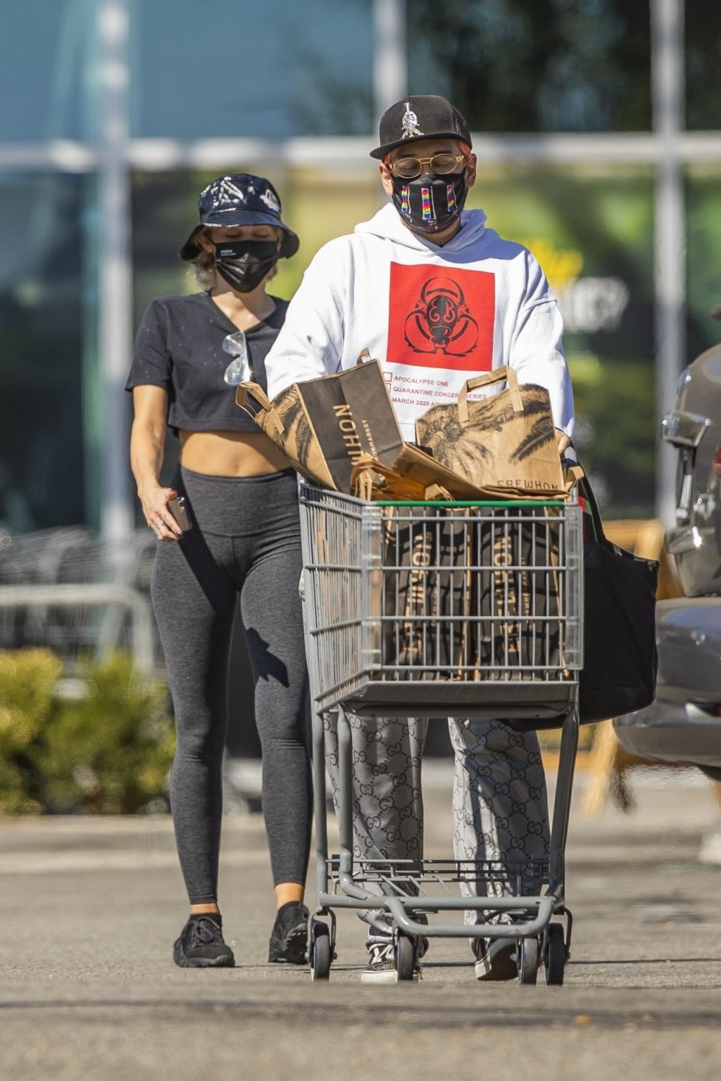 Miley Cyrus Goes Grocery Shopping with a Friend in Calabasas (96 Photos)