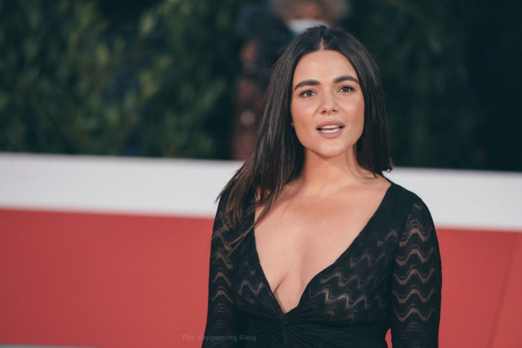 Pina Turco Shows Off Her Nice Cleavage in Rome (8 Photos)