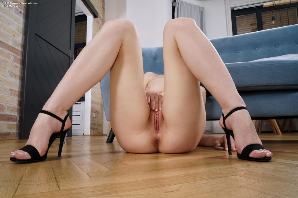 Lina Mercury Nude (15 Photos)