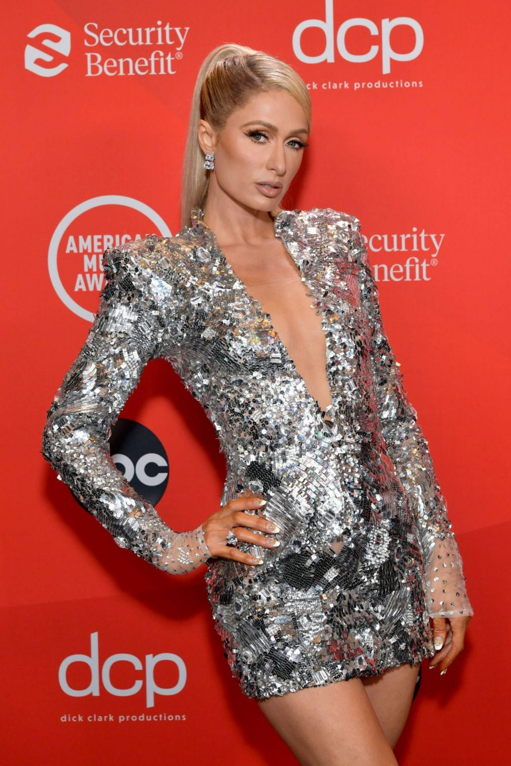 Paris Hilton Flaunts Her Sexy Legs at the 2020 American Music Awards (19 Photos)