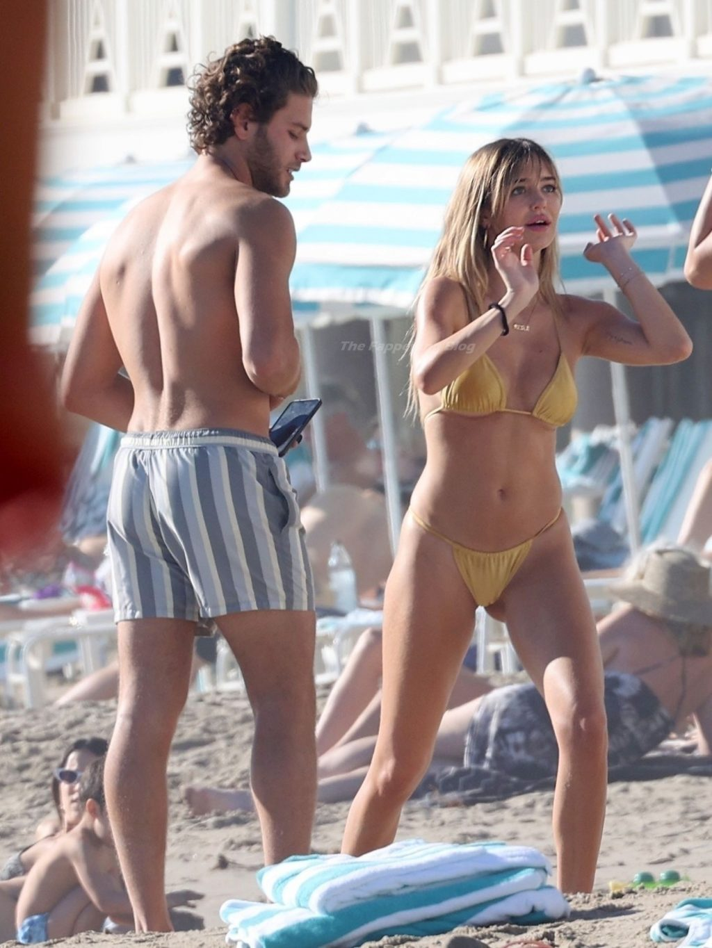 Delilah Hamlin & Eyal Booker Pack on the PDA at the Beach (48 Photos)