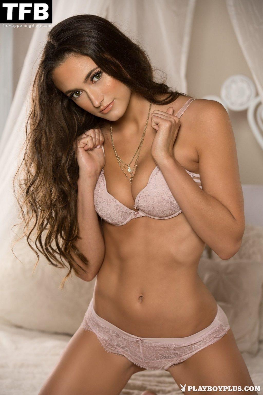 Deanna Greene Nude & Sexy Collection (21 Photos)
