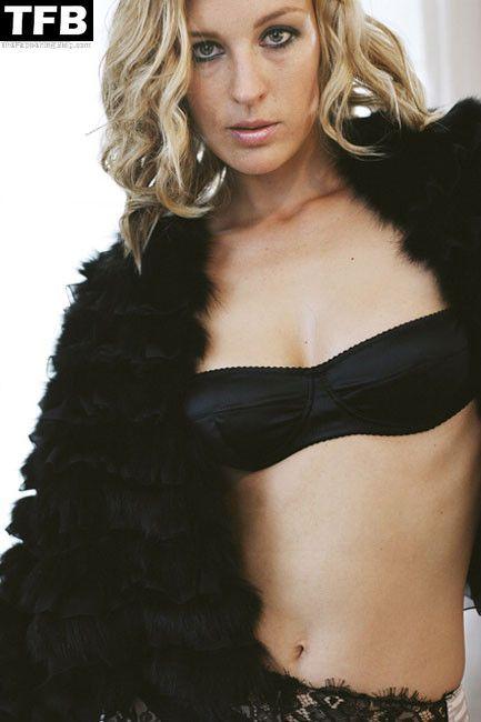 Lilian Klebow Nude & Sexy Collection (19 Photos)