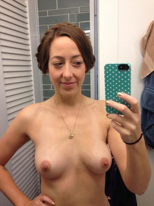 Sarah Schneider naked