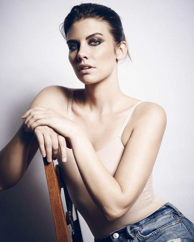 Lauren Cohan Hot Photoshoot