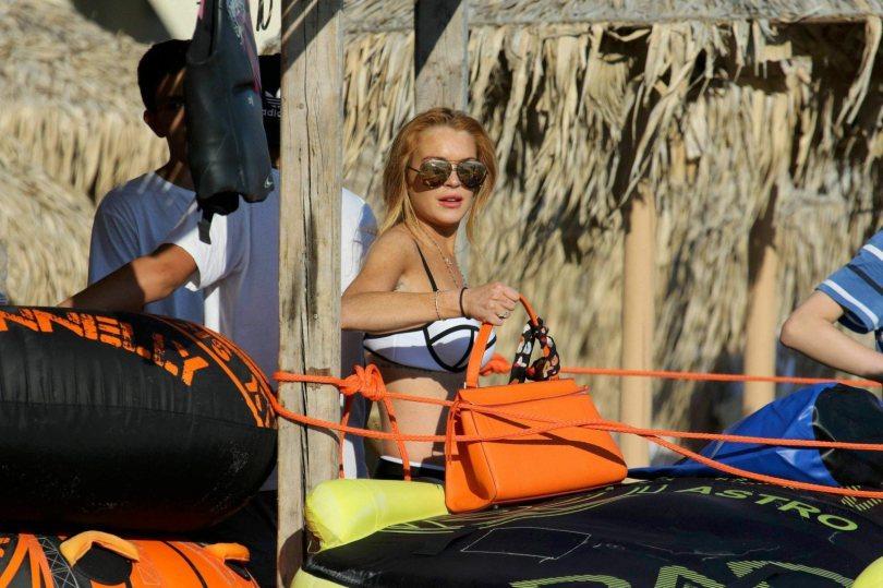 Lindsay Lohan sexy pics