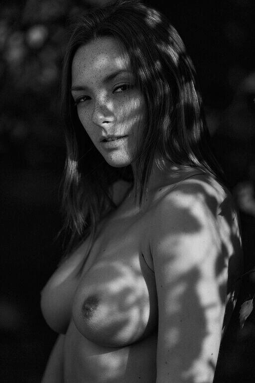 Olga Kobzar Nude pics