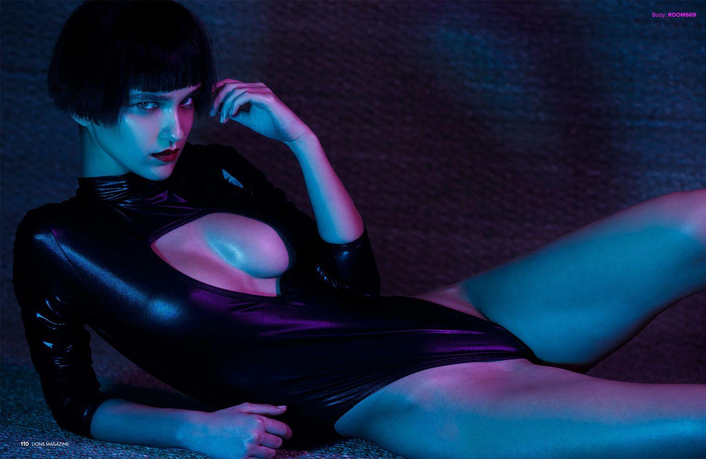 Paula Bulczynska Topless Photos
