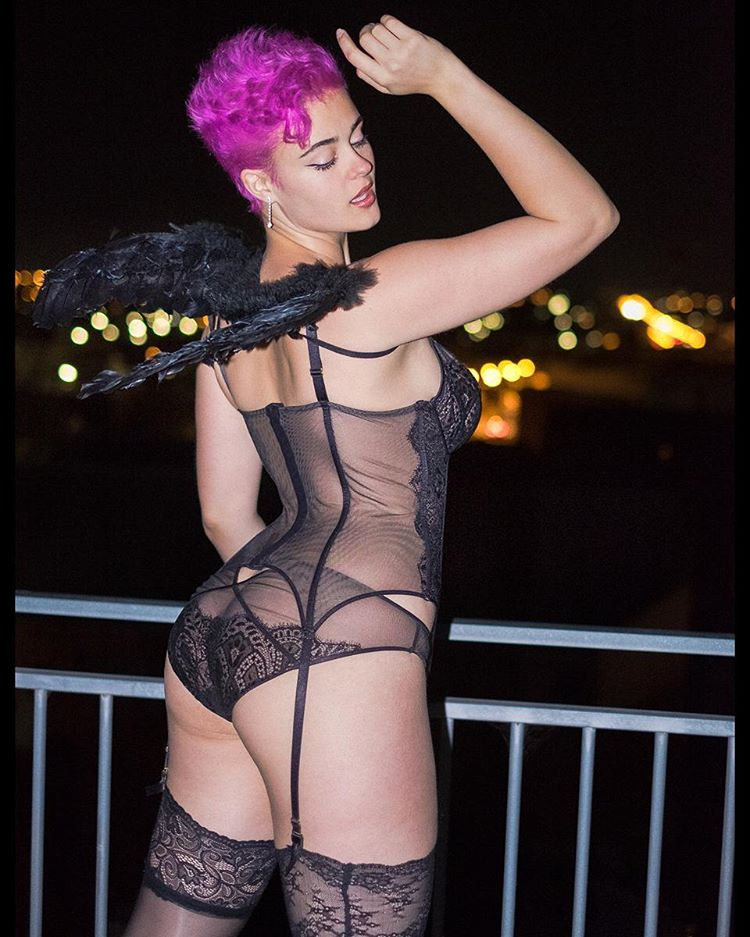 Nude Photos of Stefania Ferrario