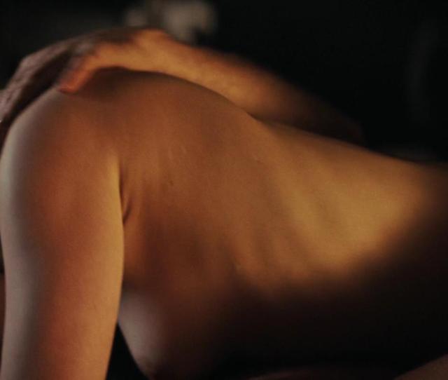 Emilia Clarkes Latest Naked Scene