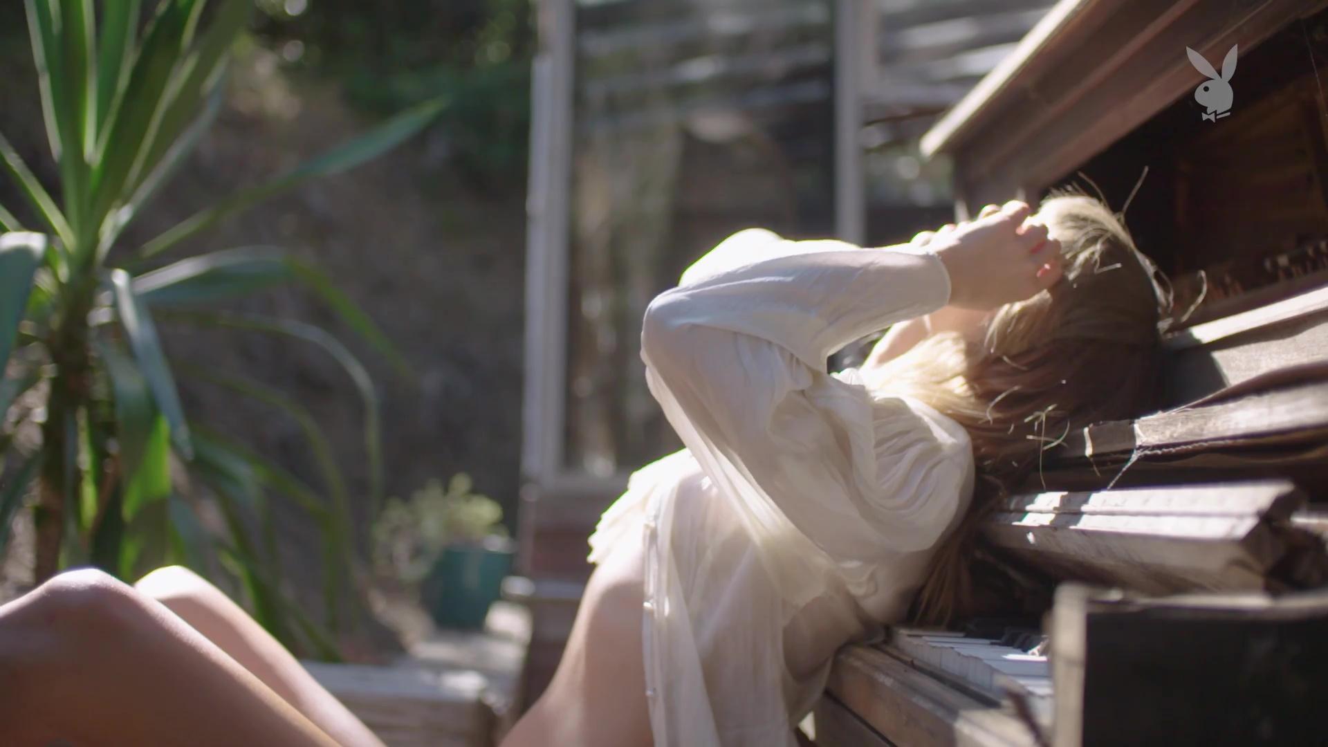 Carmella Rose Nude