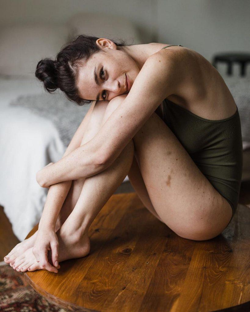 Chloe Howcroft Nude