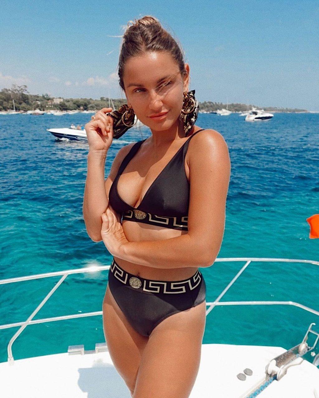 Sam Faiers Bikini