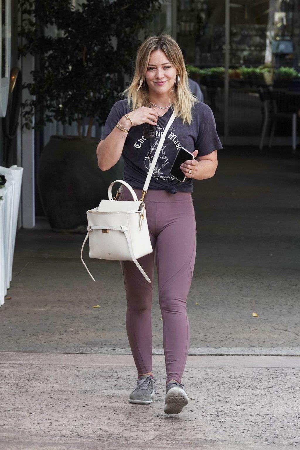 Hilary Duff Cameltoe