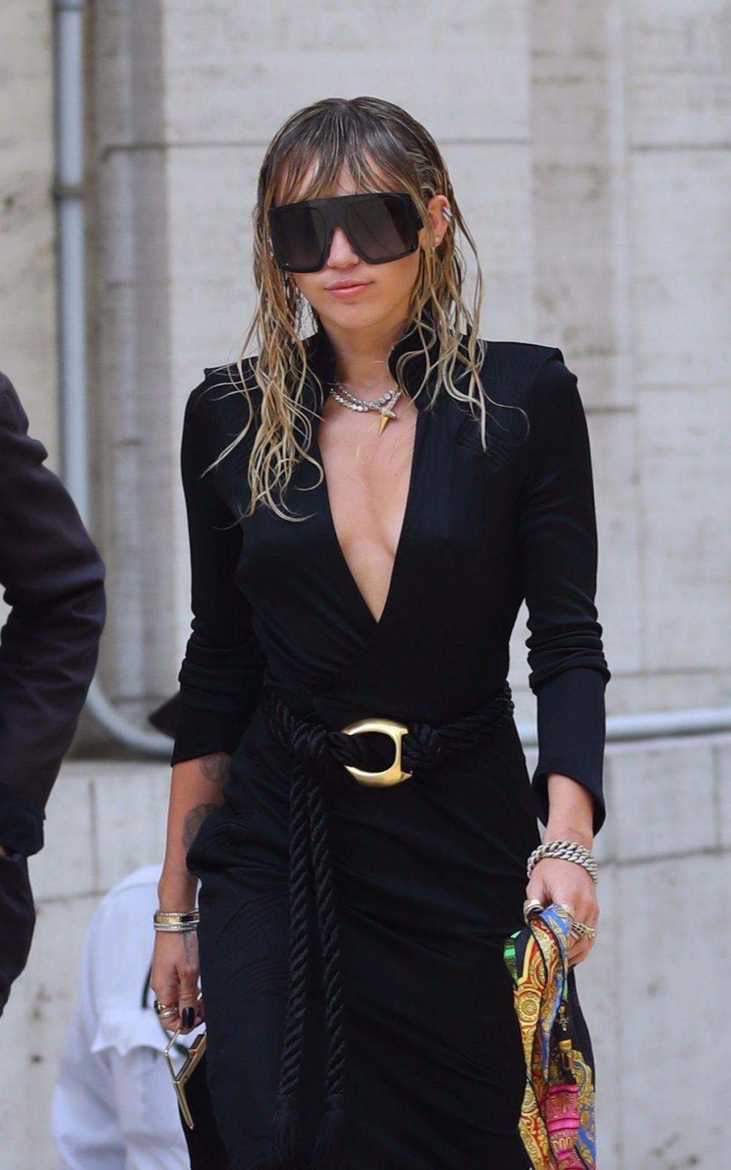 Miley Cyrus Cleavage