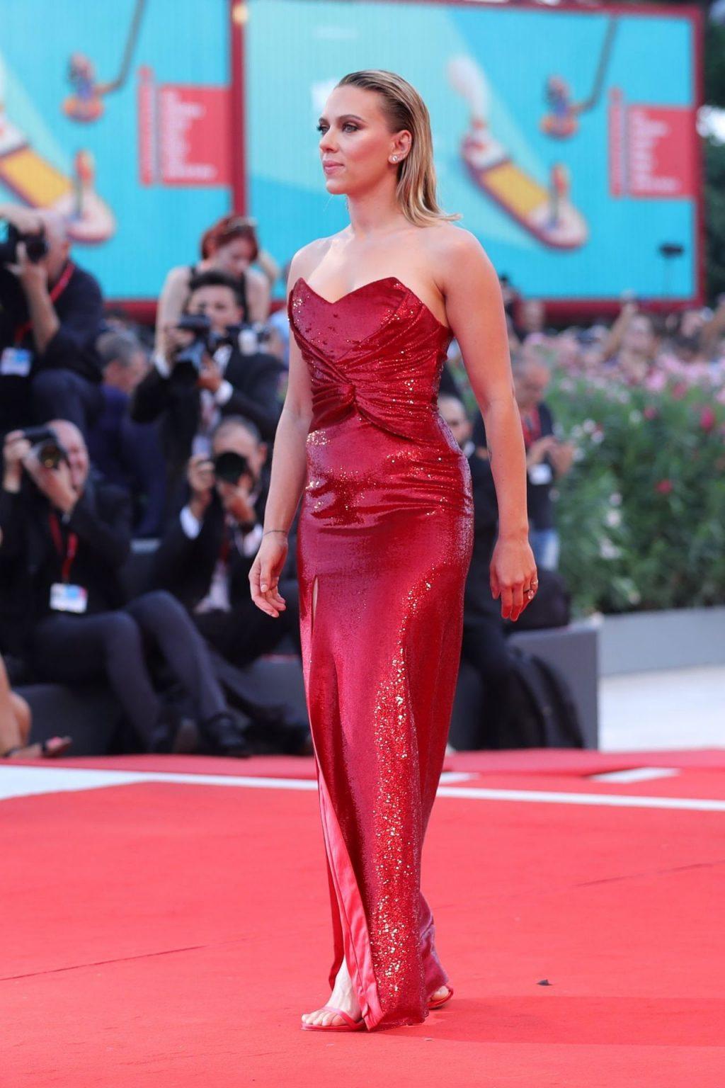 Scarlett Johansson Erotic