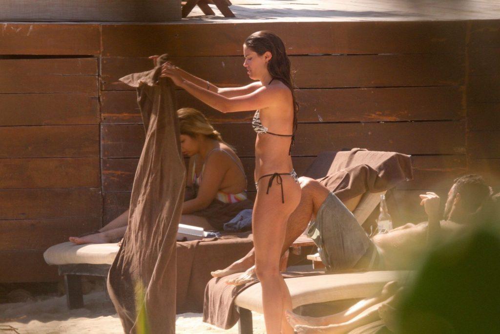 Sara Sampaio Bikini