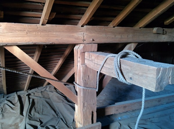 Wooden Barn Beam via thefarmerslife.com