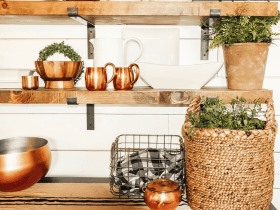 Easy DIY farmhouse openshelves​