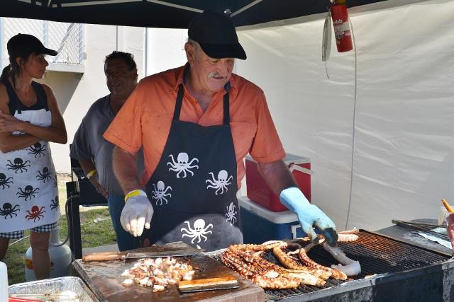 Fresh local seafood at the Bicheno Food and Wine Festival