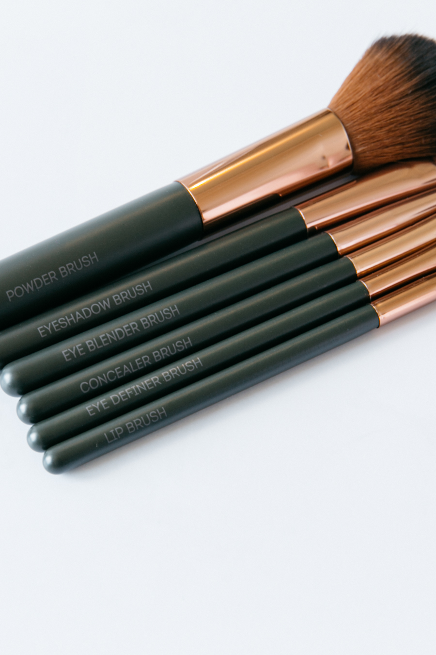 Affordable pro makeup brushes.