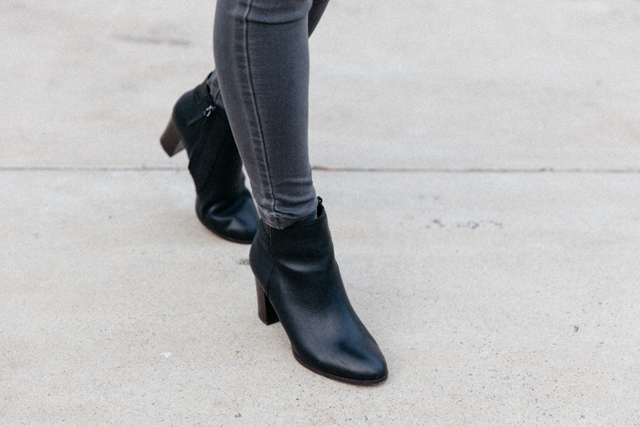 Chunky heel leather ankle boot.