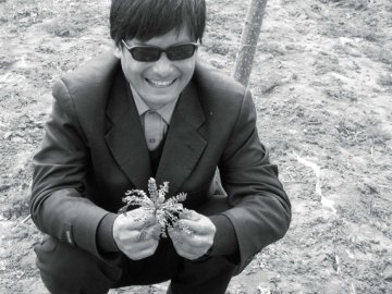 Chen-Guangcheng-is-a-Chinese-civil-rights-activist-who-worked-on-reproductive-rights-issue-in-rural-areas-of-the-People's-Republic-of-China
