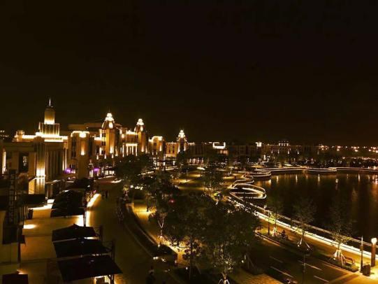La Croisette, Yi Ou Lai Shanghai, at night