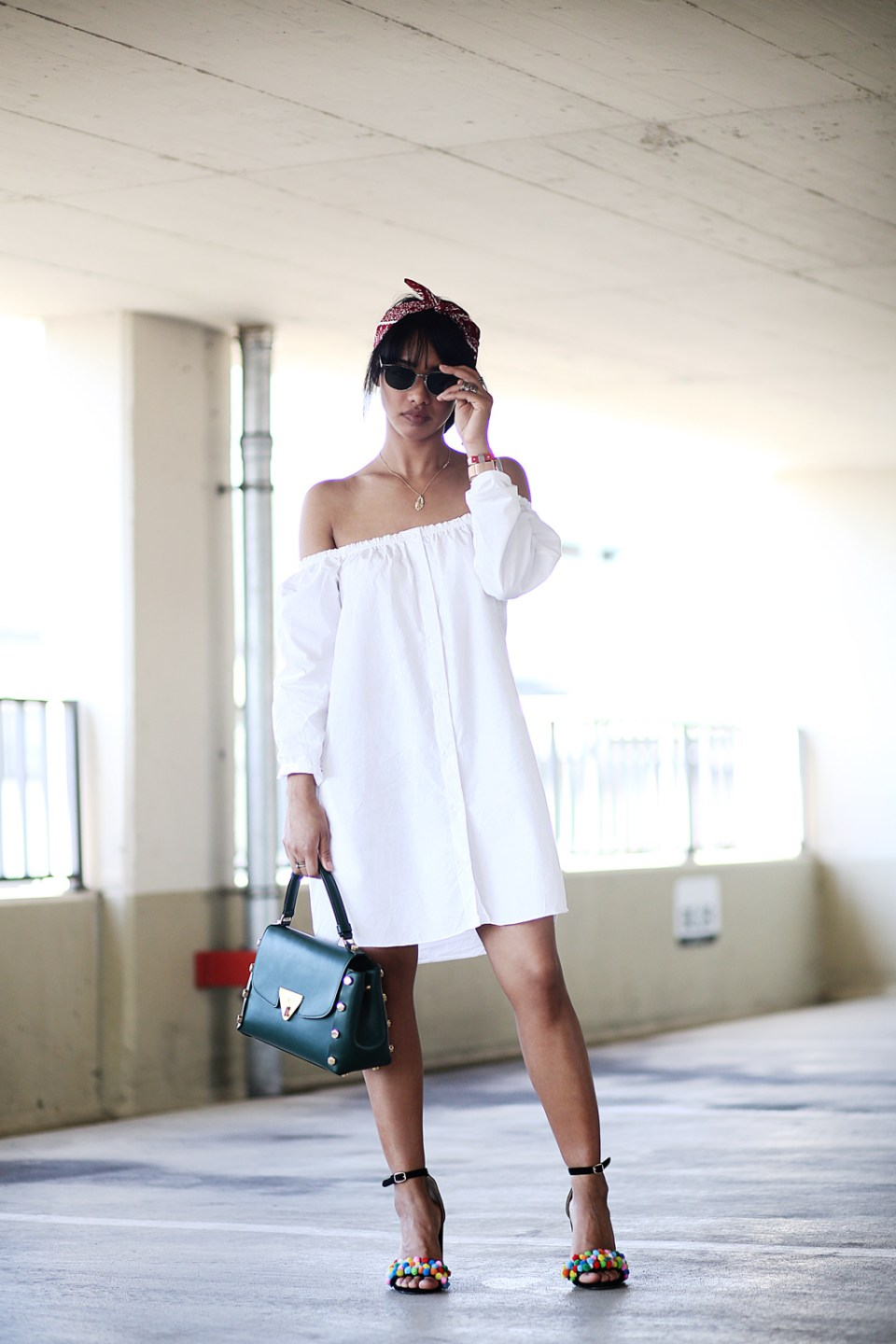 thefashionanarchy_blogger_fashionblog_modeblog_styleblog_monrob_pompons_offshoulder_kleid_muenchen_munich_sommer_outfit_look_4