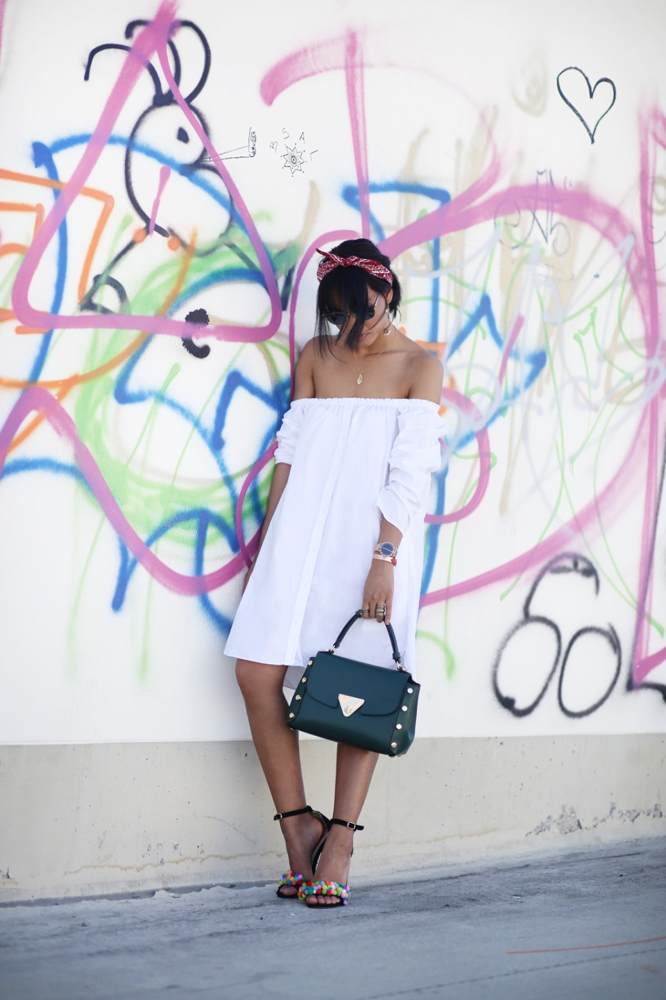 thefashionanarchy_blogger_fashionblog_modeblog_styleblog_monrob_pompons_offshoulder_kleid_muenchen_munich_sommer_outfit_look_5