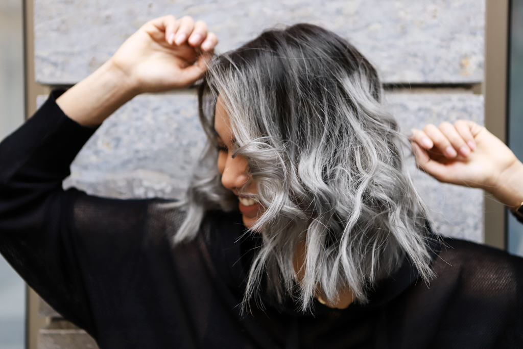 haare grau farben granny hair look