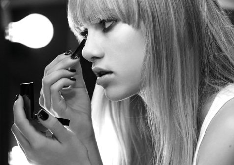 Behind The Scenes: Burberry Brit Rhythm For Women Featuring Suki Waterhouse