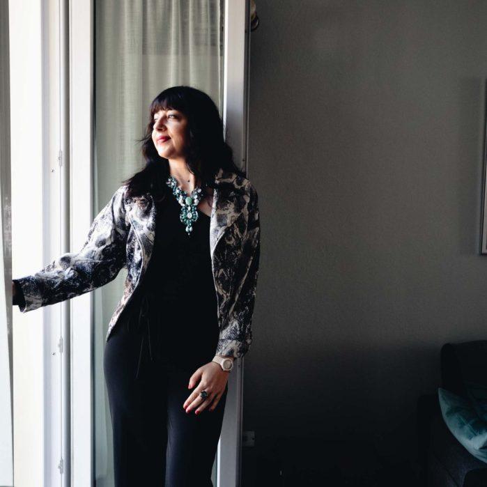 Come indossare una tuta nera - The Fashion Cherry Diary