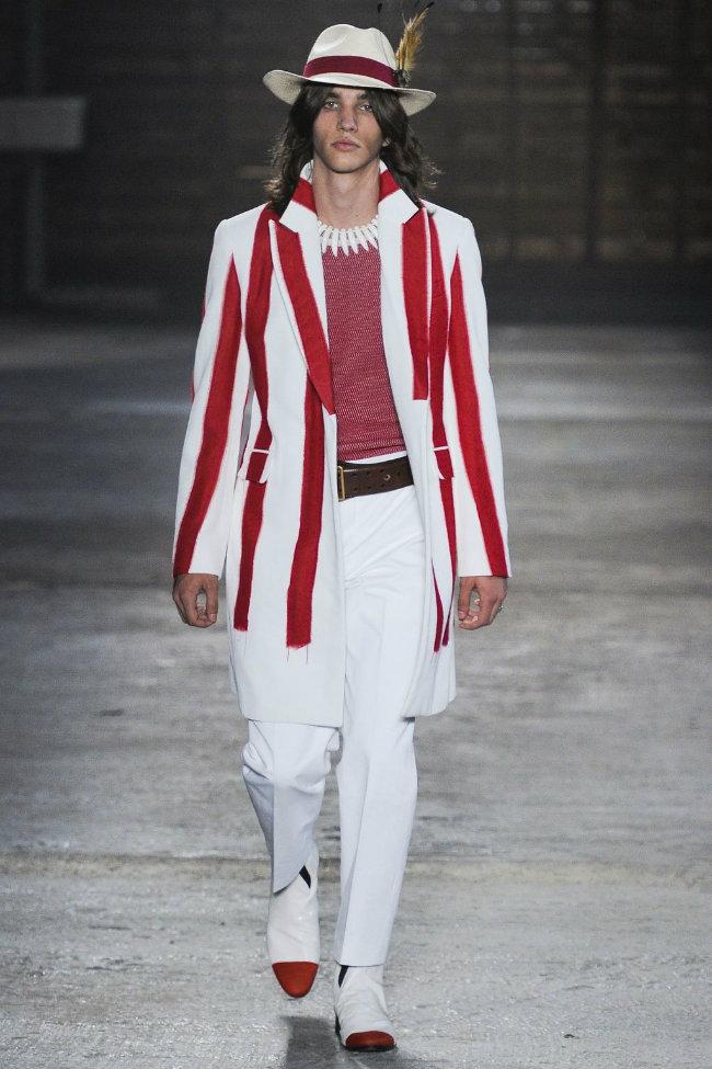 alexandermcqueen2 Alexander McQueen Spring 2012 | Milan Fashion Week